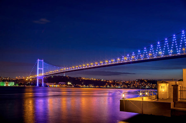 (Bosphorus Bridge, Istanbul - Turkey)